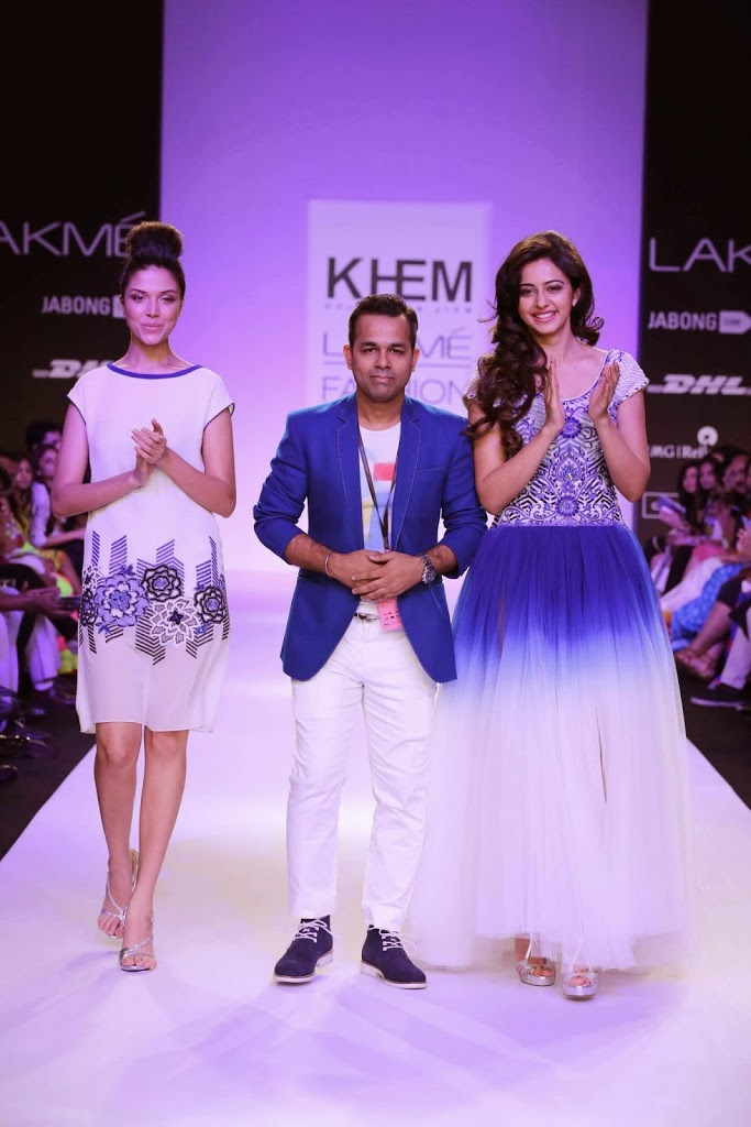 Nakul-at-lakme-fashion-week-2014-summer-resort-collection-by-Khem-Prem-Kumar