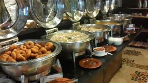 Breakfast-buffet-Fort-Jadhavgarh