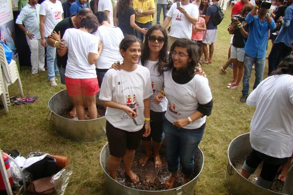 Bandra-wine-festival-2014-grape-stomping-competition