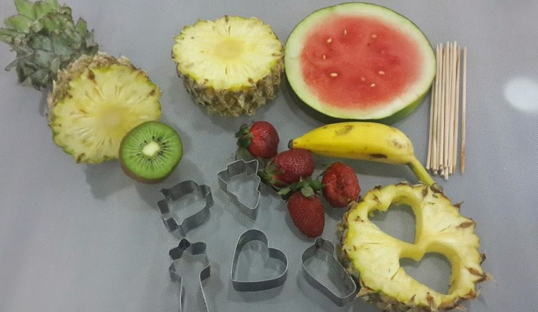 A DIY Fruit Bouquet (quick ,simple and healthy recipe)!!