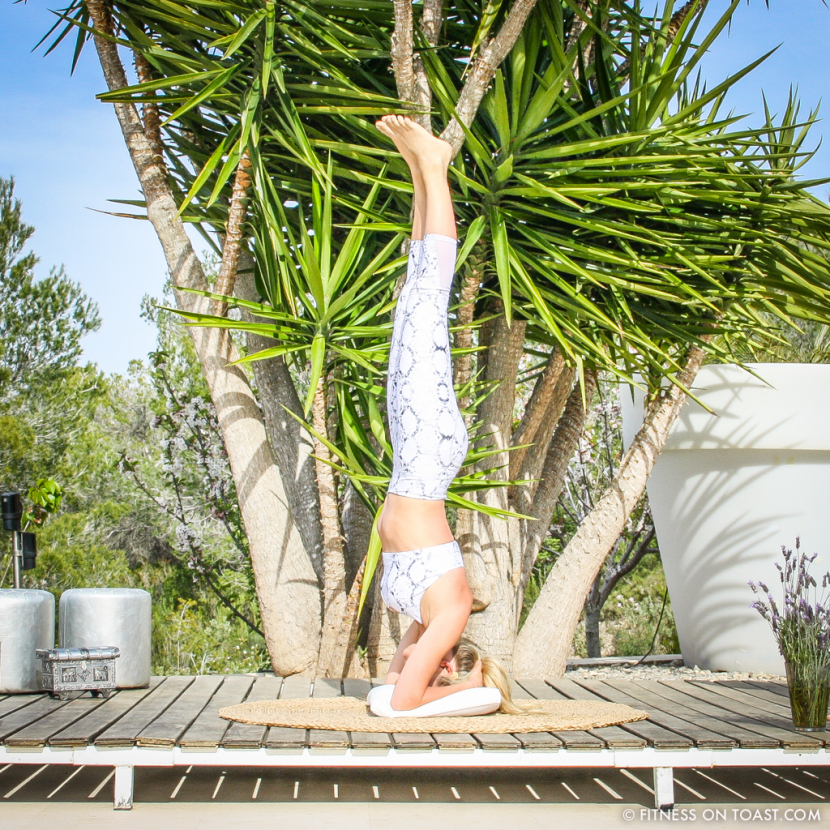 fitness-on-toast-faya-blog-girl-healthy-ibiza-balearic-bootcamp-holiday-active-travel-luxury-retreat-detox-training-headstand-yoga