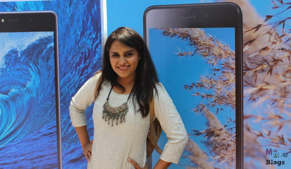Lyf smartphones at lakme fashion week 2016