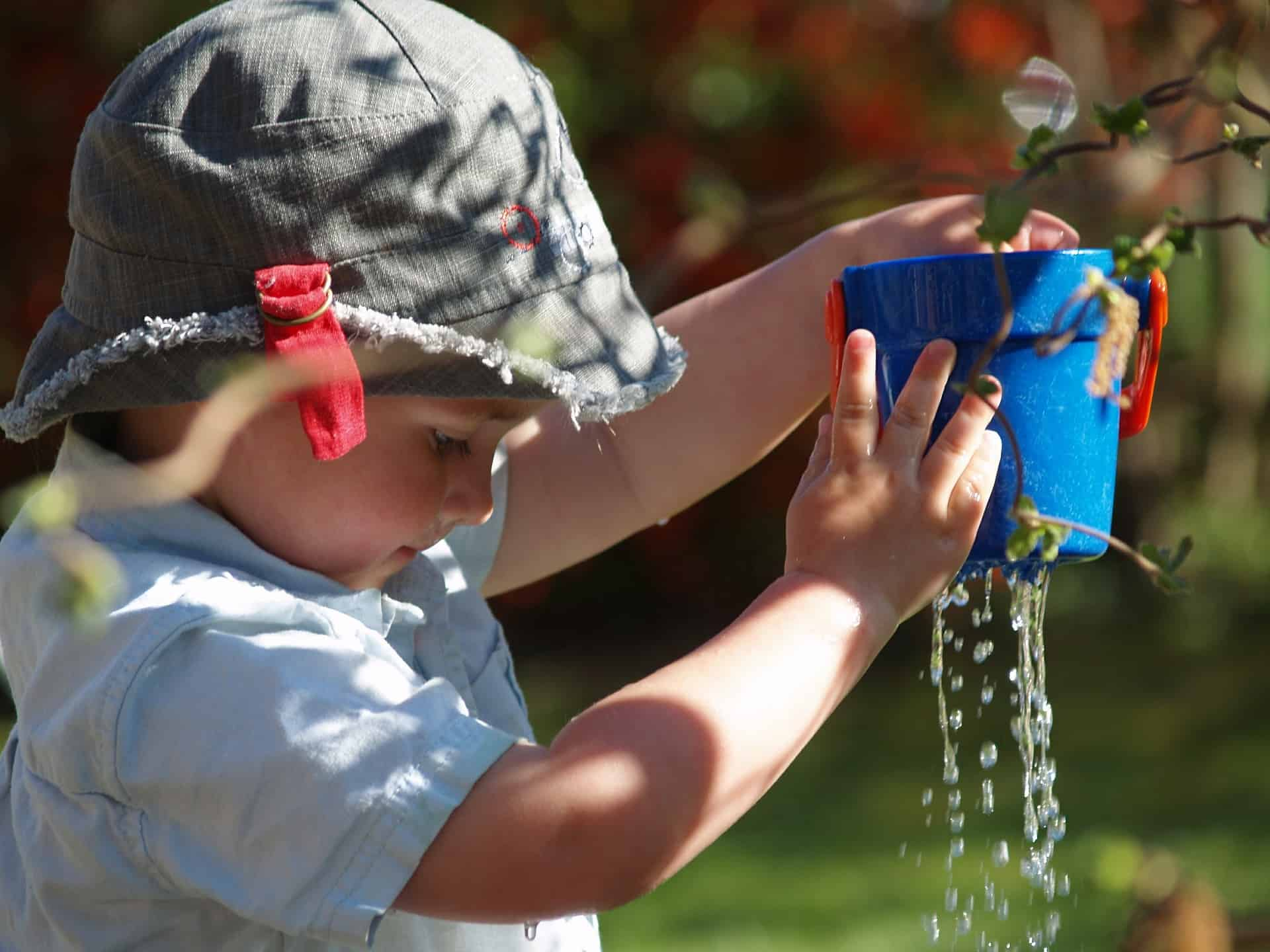Kid-Friendly: 10 Water Play Activities and Water Wall